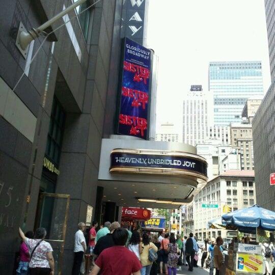 5/27/2012にKaren B.がBroadway Theatreで撮った写真