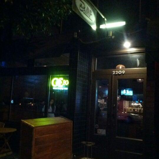 Foto diambil di Bullitt oleh Omid S. pada 2/23/2012
