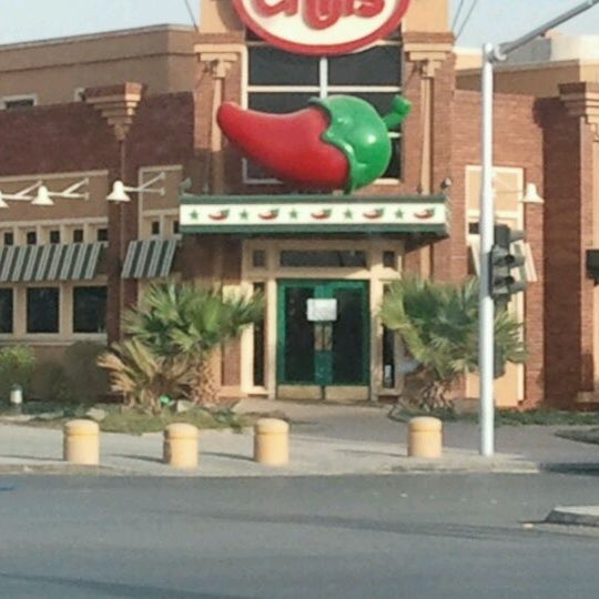 Photo taken at Chili's by Bandder A. on 2/8/2012