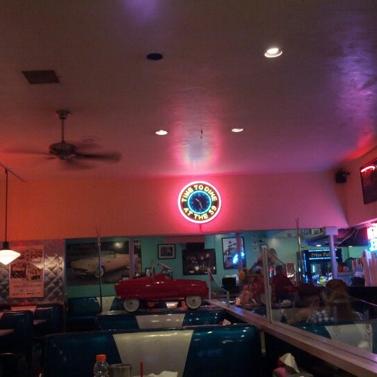 Photo taken at 59 Diner by Chris H. on 7/31/2012