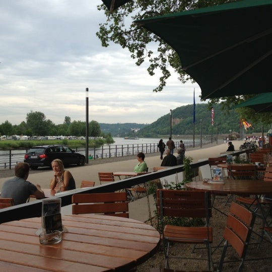 biergarten am deutschen eck biergarten in koblenz. Black Bedroom Furniture Sets. Home Design Ideas