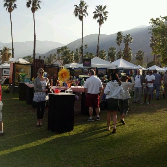 Art shows at frances stevens park now closed uptown for Palm springs craft fair