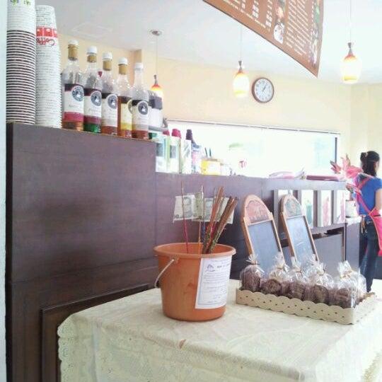 Photo taken at Coffee Bla Bar by Nirada R. on 6/8/2012