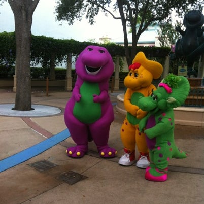 A Day In The Park With Barney - Woody Woodpecker\'s KidZone