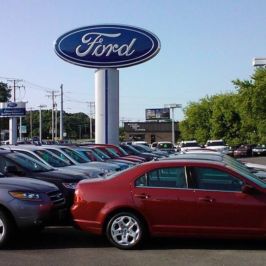 Ford Dealerships Los Angeles: Bull Valley Ford
