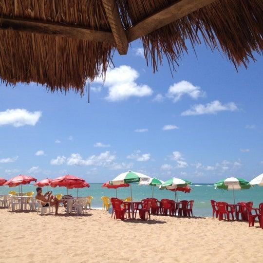 รูปภาพถ่ายที่ Praia de Guaxuma โดย Ederson R. เมื่อ 4/1/2012