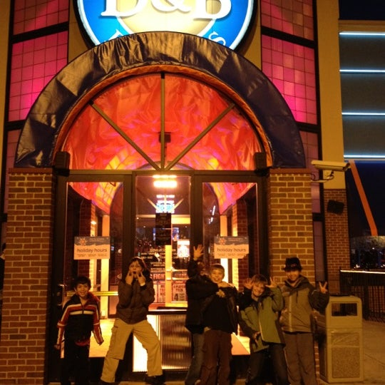 Photo taken at Dave & Buster's by Rene R. on 12/17/2011