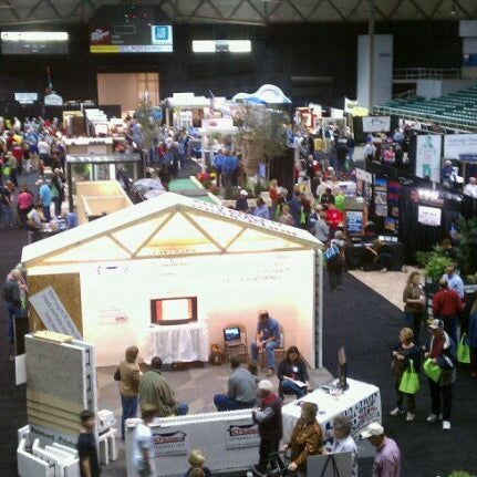 Photo taken at Bell County Expo Center by Chris on 2/26/2011
