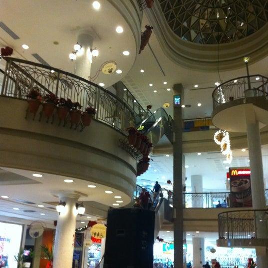 Foto tirada no(a) Shopping Del Paseo por Roberto T. em 12/15/2011