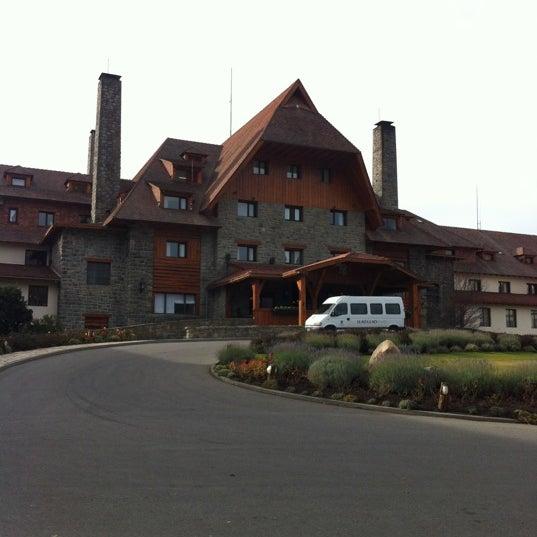 Foto tomada en Llao Llao Hotel & Resort por Fede G. el 5/5/2012