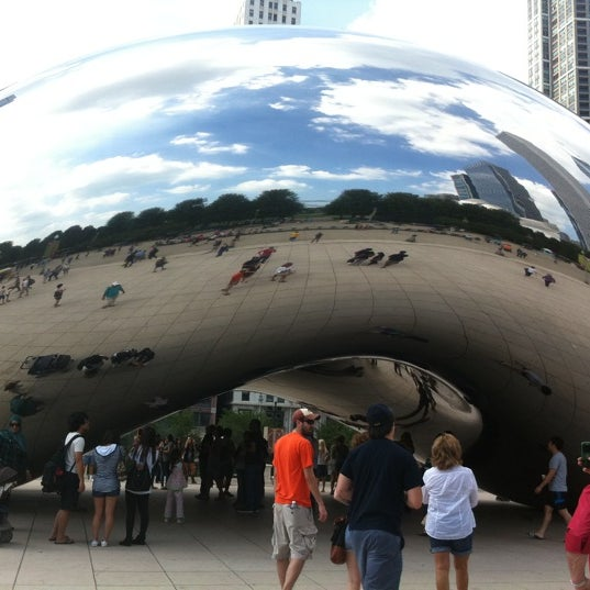 Photo taken at Cloud Gate by Anish Kapoor by Tara C. on 9/11/2011