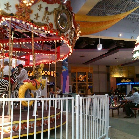 Photo taken at Arizona Mills by Maria L. on 10/12/2011