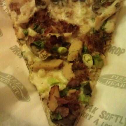 Photo taken at Pizza My Heart by Samantha N. on 6/1/2012