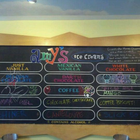 9/15/2011 tarihinde Sean S.ziyaretçi tarafından Amy's Ice Creams'de çekilen fotoğraf