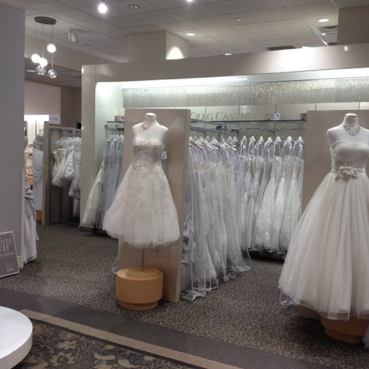 David 39 s bridal chelsea 42 tips from 2719 visitors for Wedding dress alterations roseville ca
