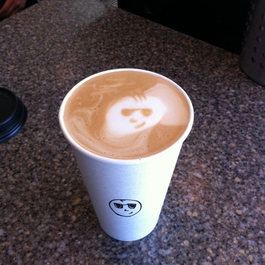 Photo taken at Javatinis Espresso Bar by Richard B. on 5/3/2011