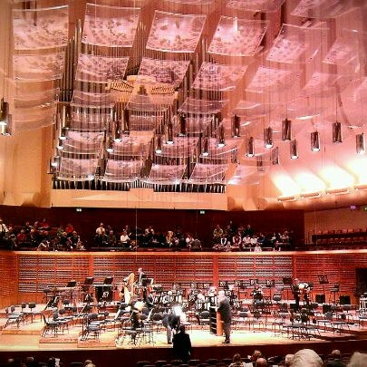 Photo taken at Louise M. Davies Symphony Hall by Sergio R. on 11/5/2011