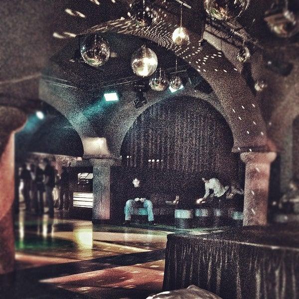 Снимок сделан в Music Bar Phenomen пользователем Honza H. 4/6/2012