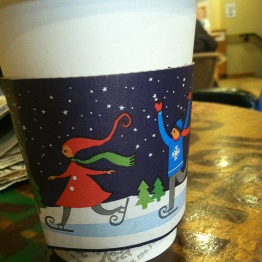 Photo taken at The Coffee Bean & Tea Leaf by Ana B. on 12/9/2011