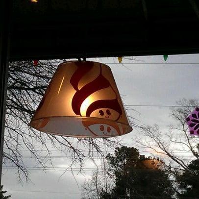 Photo taken at Menchie's Frozen Yogurt by Eric M. on 1/16/2012