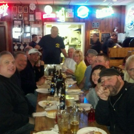 Photo taken at Star Tavern Pizzeria by Candy L. on 2/19/2012