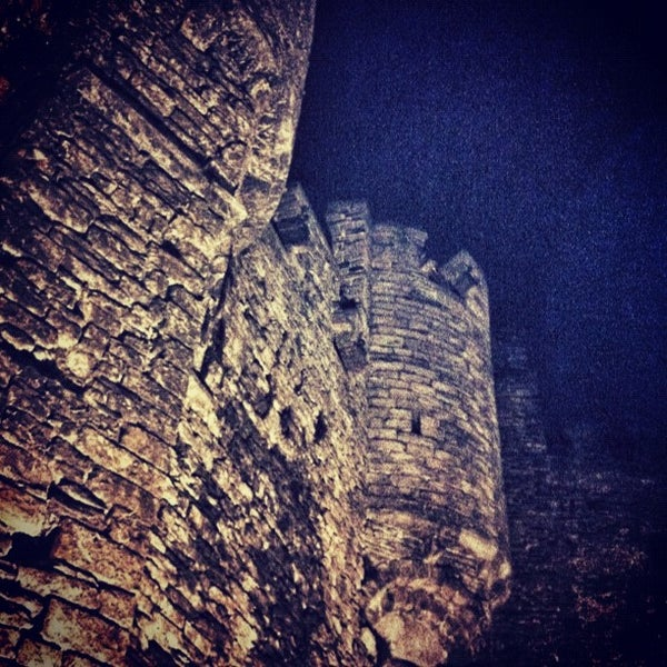 Photo taken at Castle of the Counts by Jorn U. on 5/4/2012
