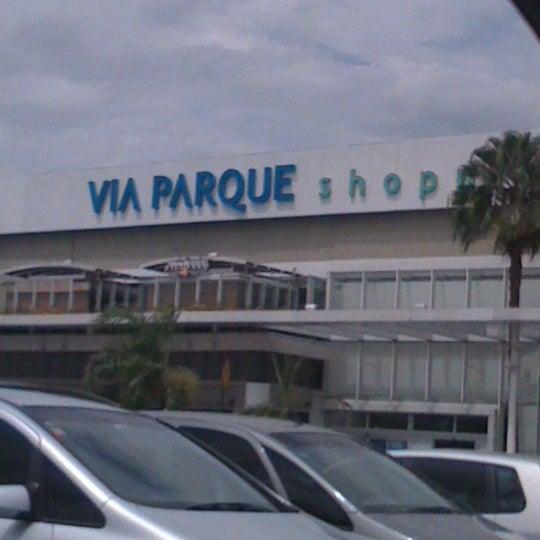 Foto tirada no(a) Via Parque Shopping por Raphael T. em 2/11/2012