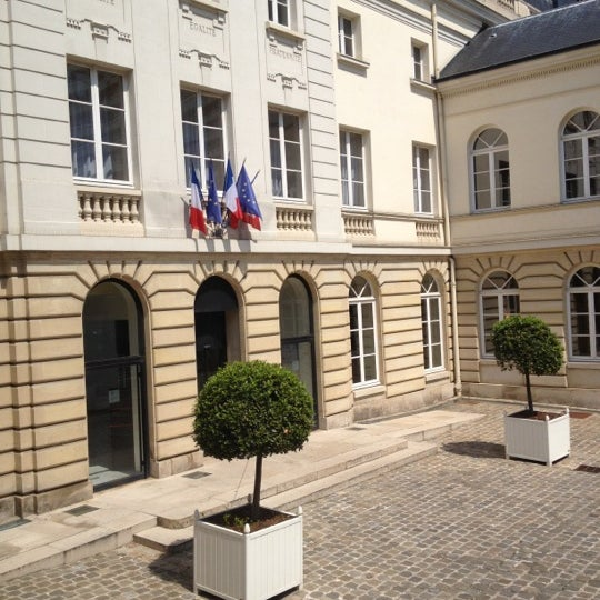 Mairie d 39 issy les moulineaux issy les moulineaux 62 - Office du tourisme issy les moulineaux ...