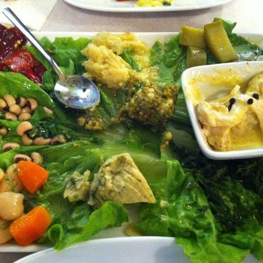 Photo taken at Sıdıka Meze Restoranı by Neslihan ® on 5/25/2012