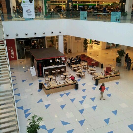 รูปภาพถ่ายที่ Costa Urbana Shopping โดย Diego เมื่อ 5/4/2012