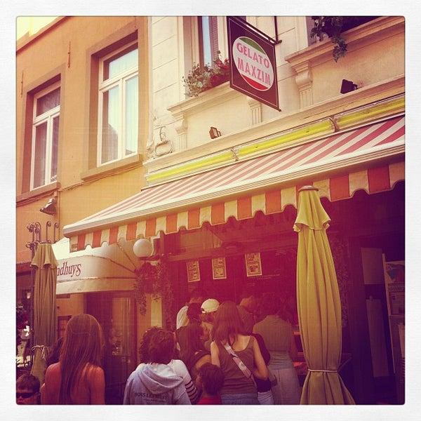 Photo prise au Gelato Maxzim par Nicolas S. le5/28/2012