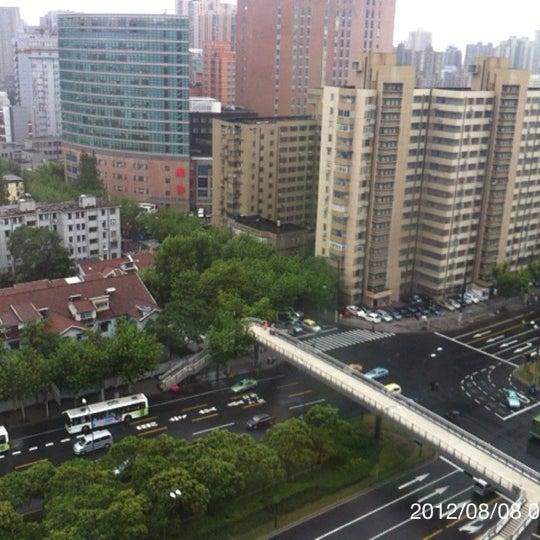Photo taken at Hope Hotel Shanghai by Masataka K. on 8/7/2012