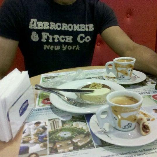Photo taken at Confeitaria Romana by Marcelo A. on 9/11/2011