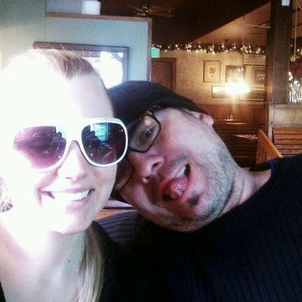 Снимок сделан в Annie's Cafe & Bar пользователем Mark S. 12/20/2011