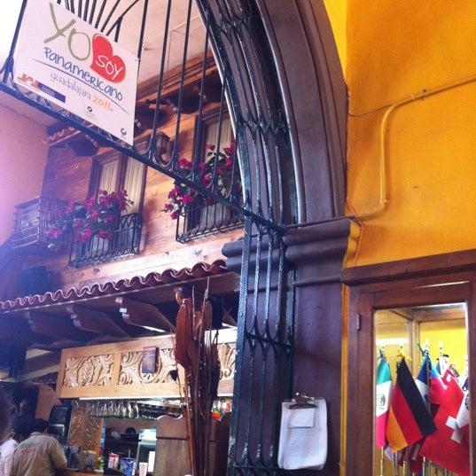 Foto tomada en El Patio por Jvflpz el 8/21/2011
