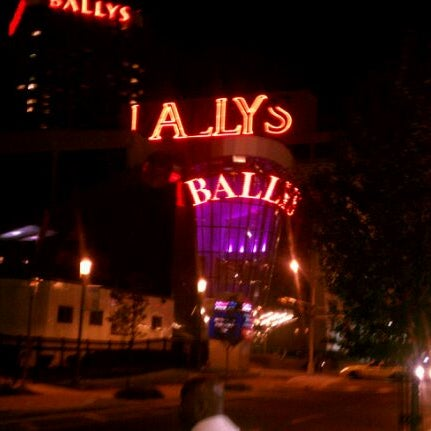 Photo taken at Bally's Casino & Hotel by Micah M. on 9/17/2011
