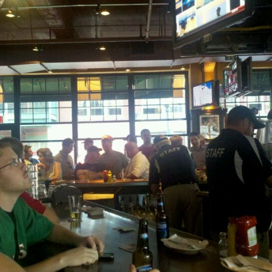 Photo taken at Cask 'n Flagon by Russell M. on 9/13/2011