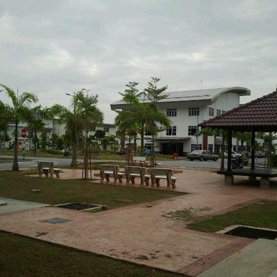 Photo taken at Fakulti Kejuruteraan Pembuatan UTeM by alan wang k. on 7/16/2012