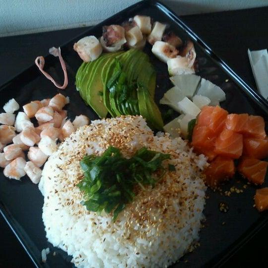 4/4/2012 tarihinde Luis Javier E.ziyaretçi tarafından Nagai Sushi'de çekilen fotoğraf