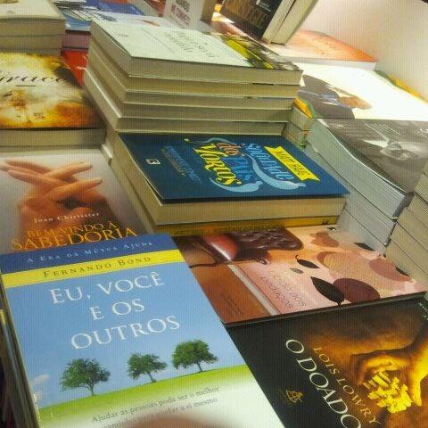 Foto tirada no(a) Partage Shopping São Gonçalo por Pam C. em 12/17/2011