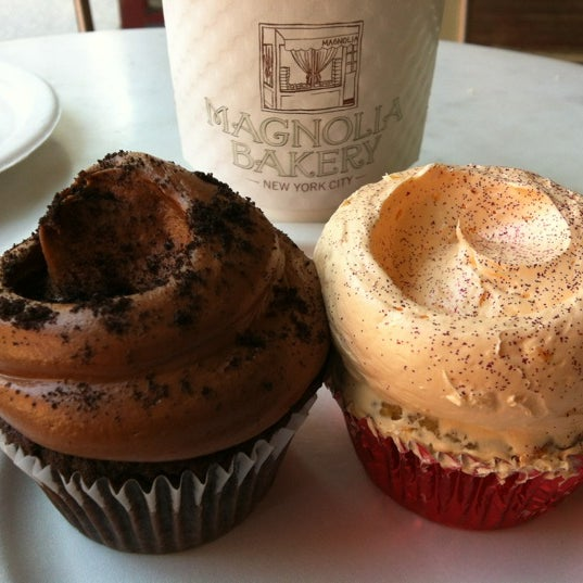 Photo taken at Magnolia Bakery by Amy W. on 6/25/2012