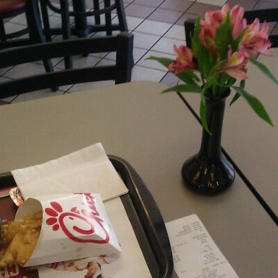 Photo taken at Chick-fil-A by Emerson H. on 8/31/2012