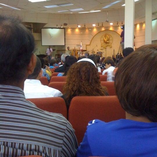 Foto diambil di Casa de Oración Cristiana oleh Ameth V. pada 3/18/2012