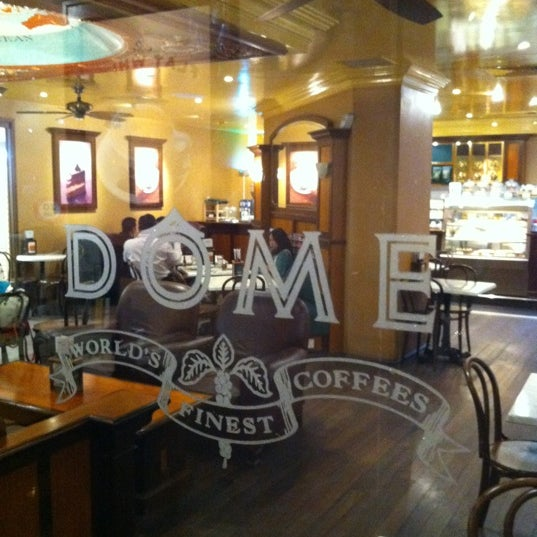 Photo taken at Dôme Café by gerard t. on 1/7/2011