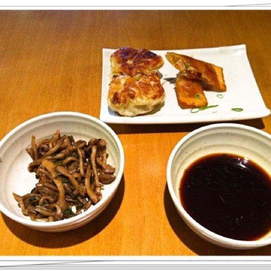 Foto tirada no(a) Sushi Koba por Watabe J. em 7/19/2011