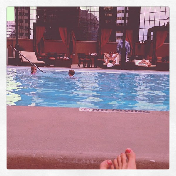 Photo taken at Sheraton Denver Downtown Hotel by Jill S. on 8/27/2012