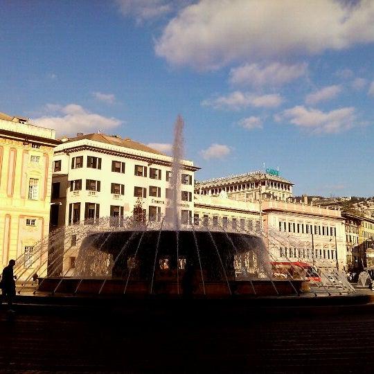 Foto scattata a Piazza de Ferrari da Andrea P. il 12/23/2011
