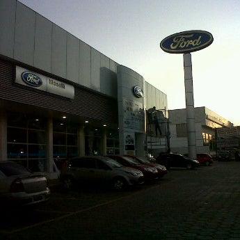Foto tirada no(a) Moselli Veículos por Thiago M. em 10/14/2011