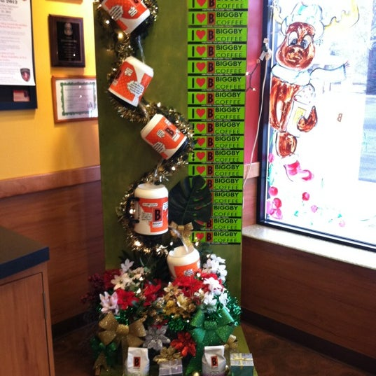 Photo taken at BIGGBY COFFEE by Angela H. on 12/24/2011