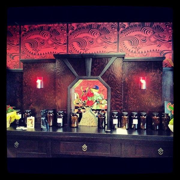 Foto scattata a Madame Zuzu's Tea House da Chris V. il 9/13/2012